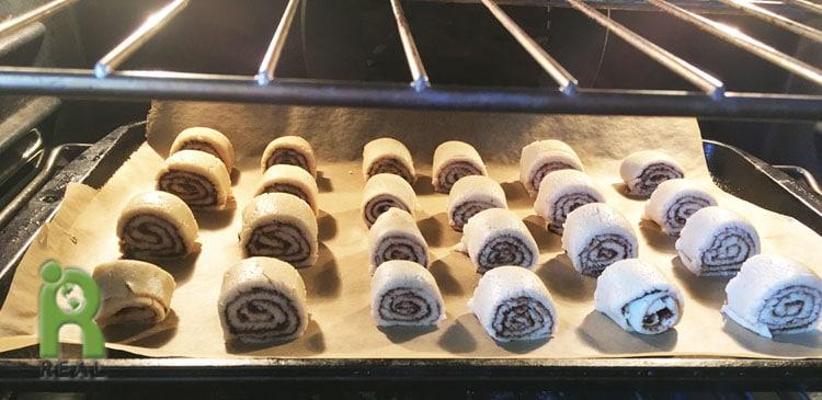 Cinnamon rolls-oven
