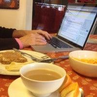 blogging-at-breakfast