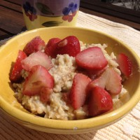 oatmeal-strawberries