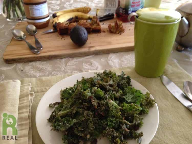 24april-breakfast, kale-salad, corn-bread