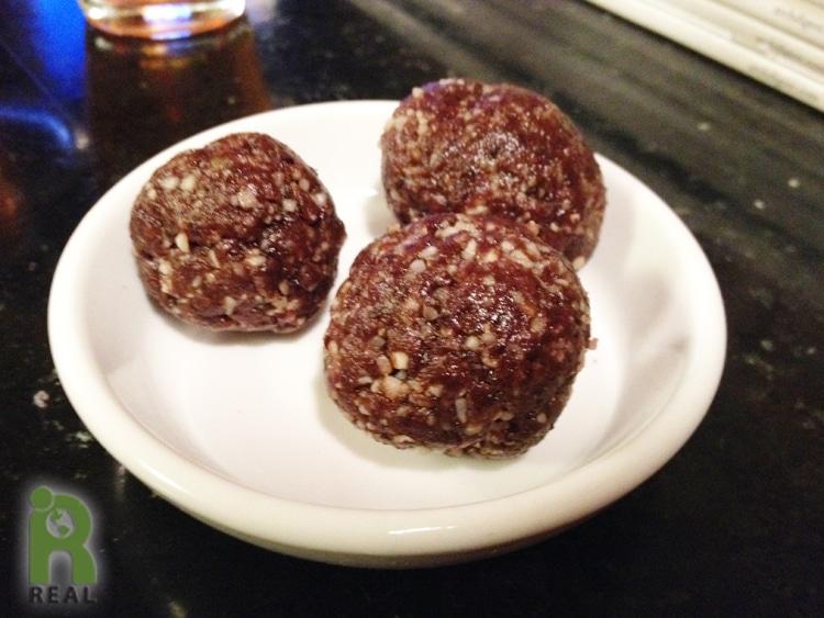12nov-fruit-nut-balls