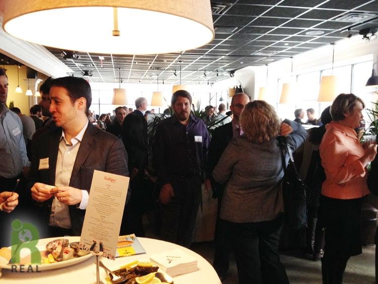food-bytes-crowd