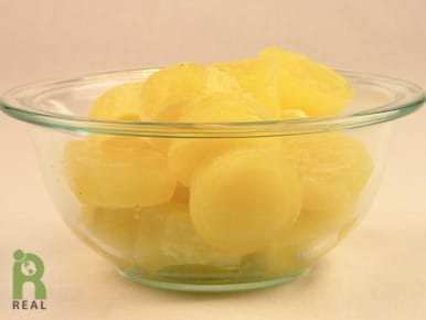 bowl-of-ginger-cubes-real