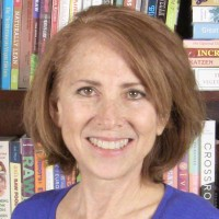 caryn-hartglass-with-books